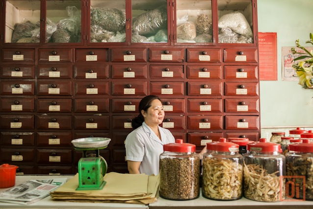 m Cho Lon-Chinese Traditional Medicine-Image by Nam Quan-2