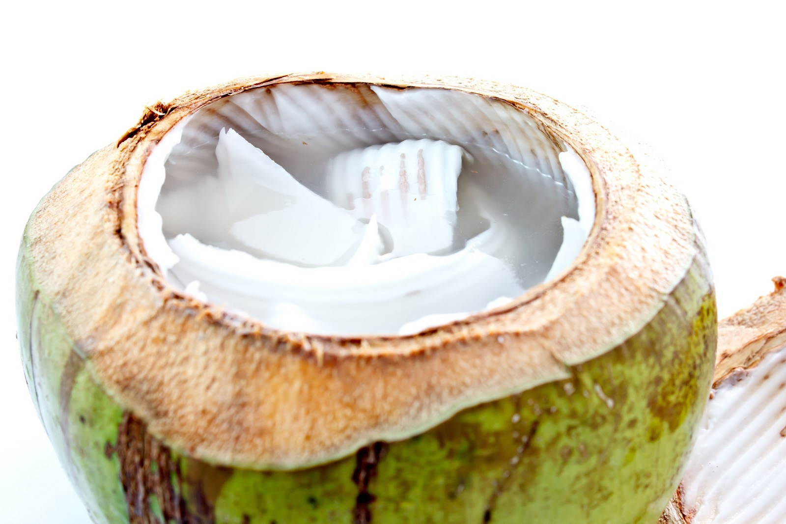 is-coconut-water-healthy-2