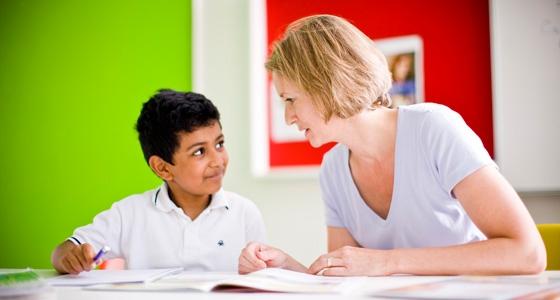 Teacher-and-kid560x300