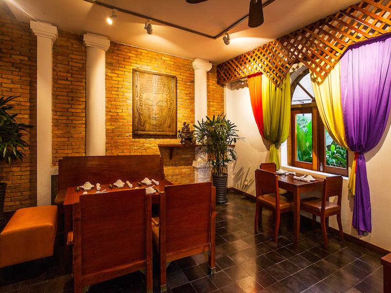 Hum restaurant interior