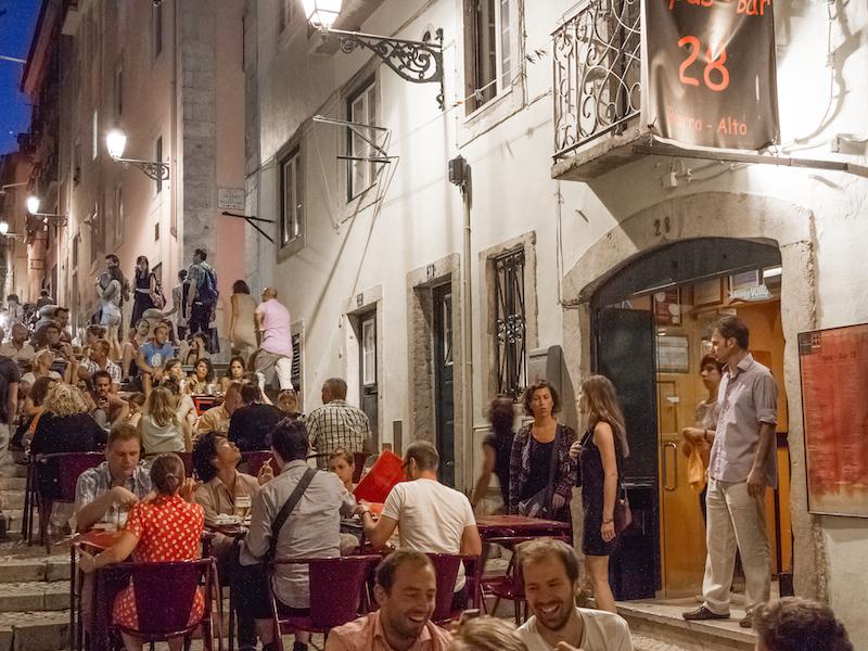 Nightlife in Lisbon_by Nelson Carvalheiro