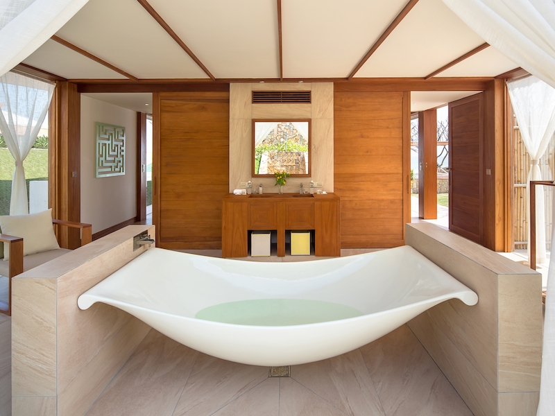 FRNT Dbl Pool Villa Main Bathroom 1