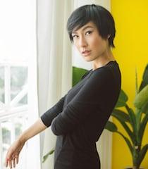 Kathy-Uyen-photo-Ji-Nguyen-costume-The-Blue-T-Shirt-3