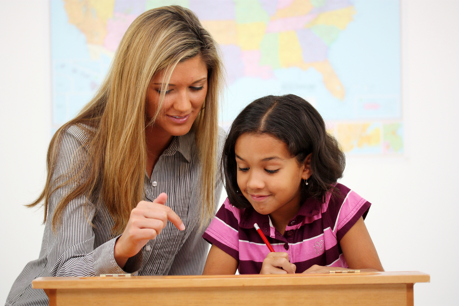 behaviors of a teacher Educational psychology review, vol 7, no 2, 1995 teacher behaviors that foster creativity giselle b esquivel t,2 the literature on teacher behaviors that influence the development of creative.