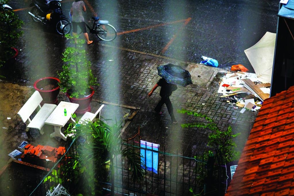 Rain-IMG_2987-AUG13-Issue 6-QRM