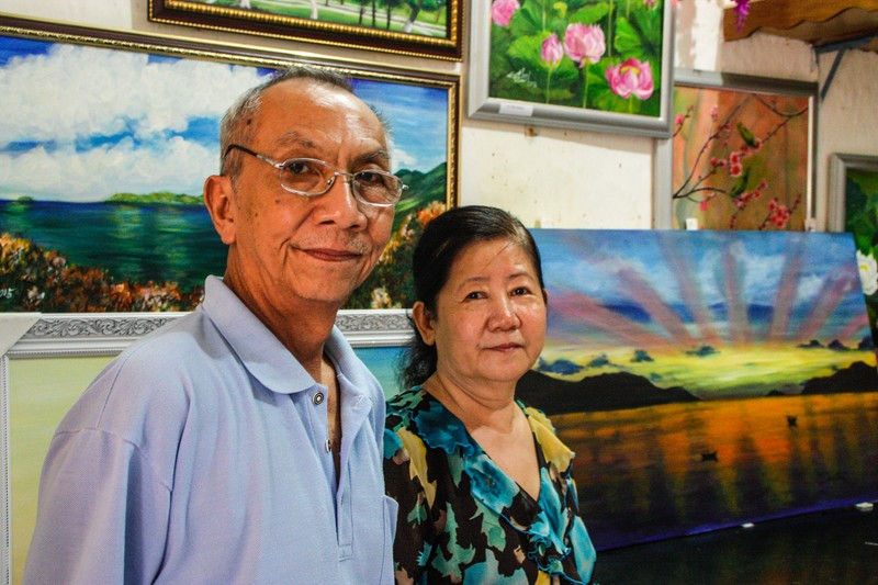 Artists Doan Huu Hoai Minh and Nguyen thi Anh Thu - Image by James Pham-5 (OiVietNam_3N)
