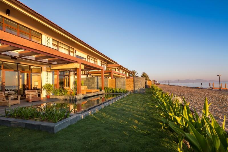 Beachfront Pool Suite 3 (OiVietNam_3N)