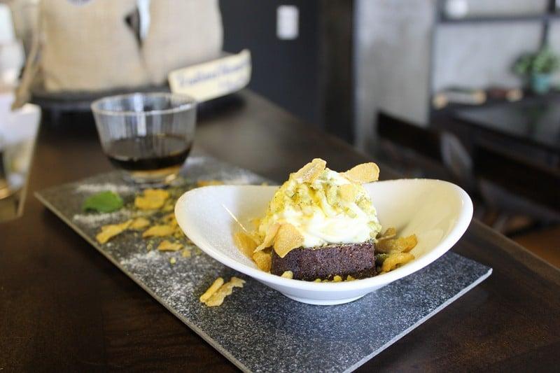 Brownie mascarpone pistachio and coffee2 (OiVietNam_3N)