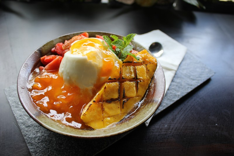 Mango and strawberry yogurt (OiVietNam_3N)