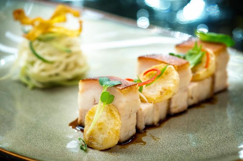 Oi Vietnam-Sep2015_ Bamboo Chic_Crispy braised pork belly_NT-44 (OiVietNam_3N)