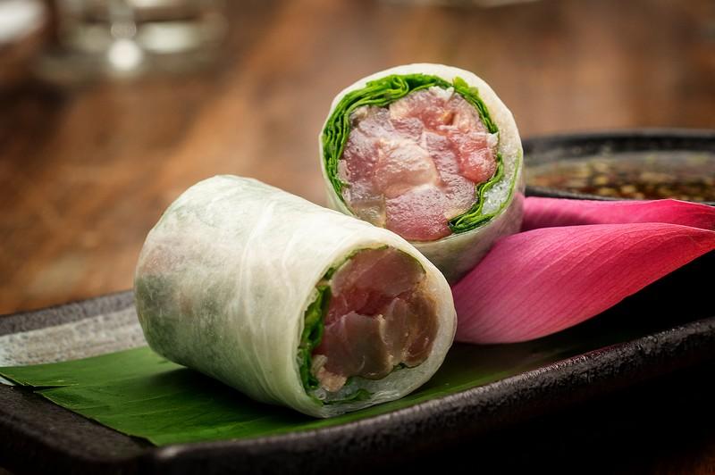 Oi Vietnam-Dec2015_THE DESK_Marinated tuna spring rolls_DSC3731_Ngoc Tran (OiVietNam_3N)