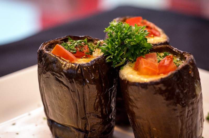 Oi Vietnam-Jan2016_canada steakhouse_Stuffed eggplant_DSC6527_NT (OiVietNam_3N)