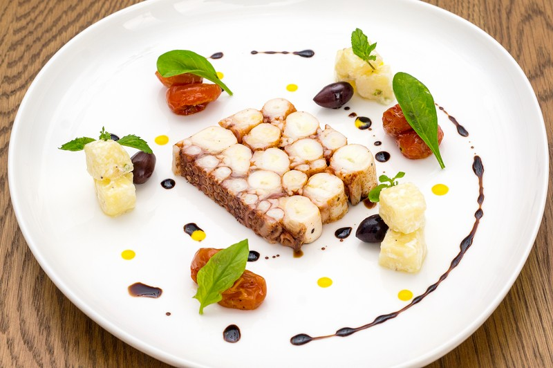 Oi Vietnam-Jan2016_saigon cafe restaurant_Steve's Octopus Salad_DSC4385_NT (OiVietNam_3N)