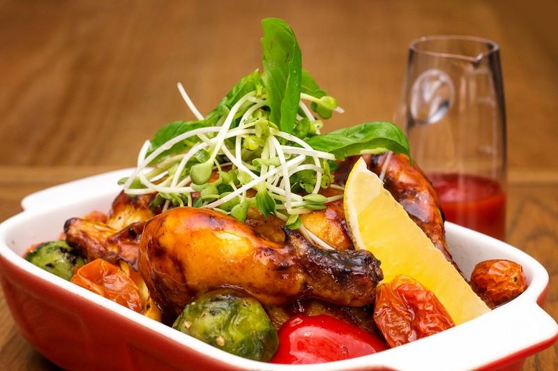 Oi Vietnam-Jan2016_saigon cafe restaurant_Whole corn-fed roasted young chicken_DSC4399_NT (OiVietNam_3N)