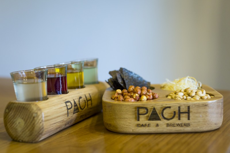 oi-magazine-march-2016-food-review-pach-cafe-brewers-mixed-snack-and-brewed-wine-combo-NF- (OiVietNam-3N)