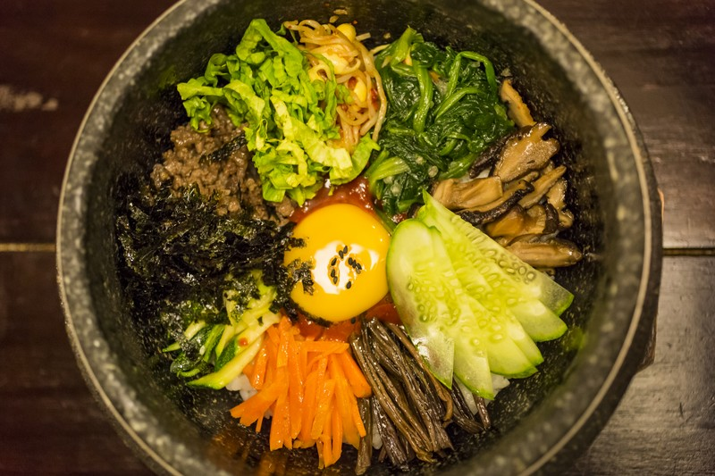 oi-magazine-march-2016-foor-review-arirang-korean-DOLSOT-BIBIMBAP-1-NF- (OiVietNam-3N)