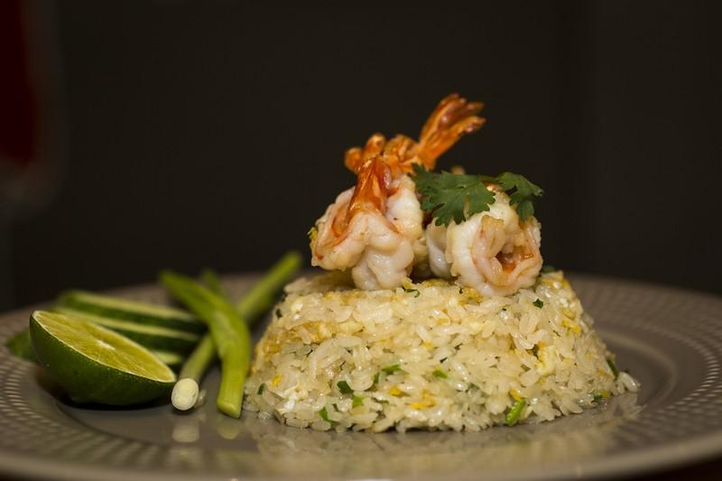 oi-magazine-april-2016-food-review-somtum-der-fried-rice-with-shrimp-NF-1613 (OiVietNam-3N)