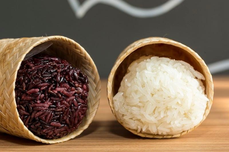 oi-magazine-april-2016-food-review-somtum-der-sticky-rice-NF-1643_1 (OiVietNam-3N)