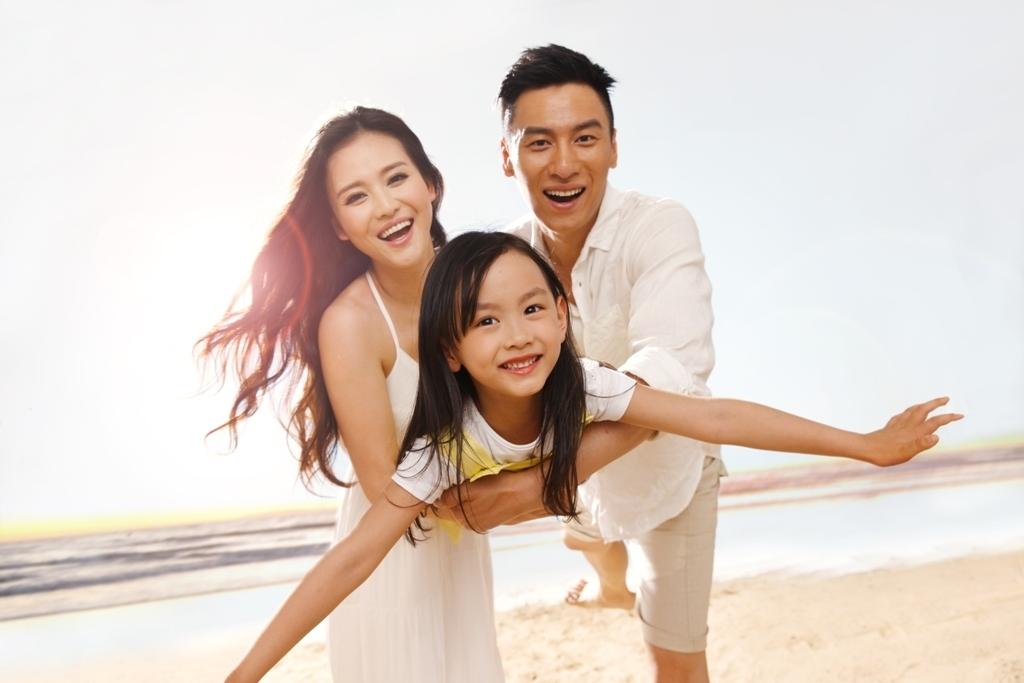 Family Beach 2 a