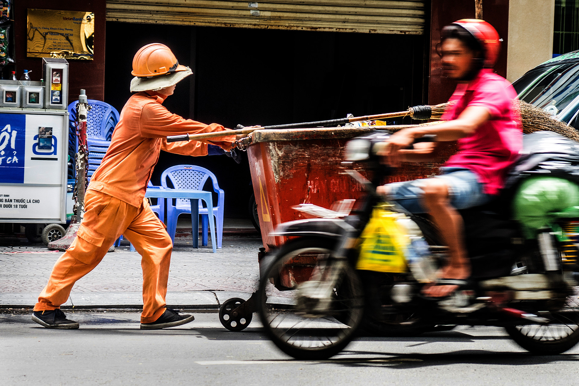 Oi Vietnam-Jun2016_Clean Worker_DSC7318_NT