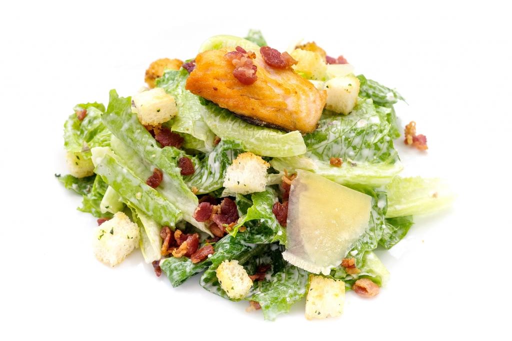 Oi Vietnam-Jul2016_Nosa_Caesar Salad w Salmon_DSC9478_NT