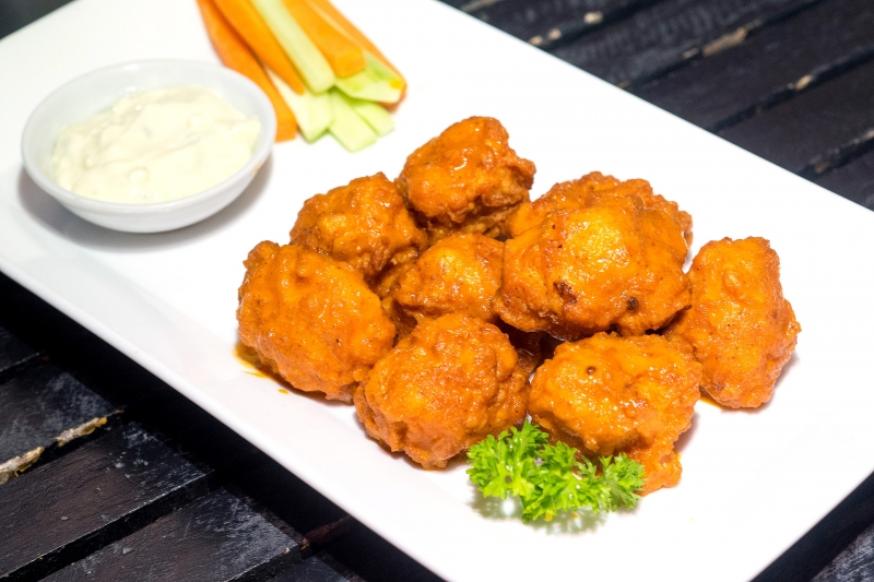 Oi Vietnam-August2016_boathouse_Buffalo Chicken Bites_DSC5518_NT