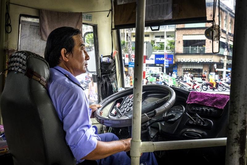 Oi Vietnam-August2016_bus driver_DSC3927_NT