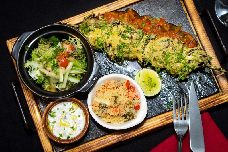 oi-vietnam-december2016_patio_chicken-kebap-with-cous-cous-and-garden-salad_dsc4523_nt