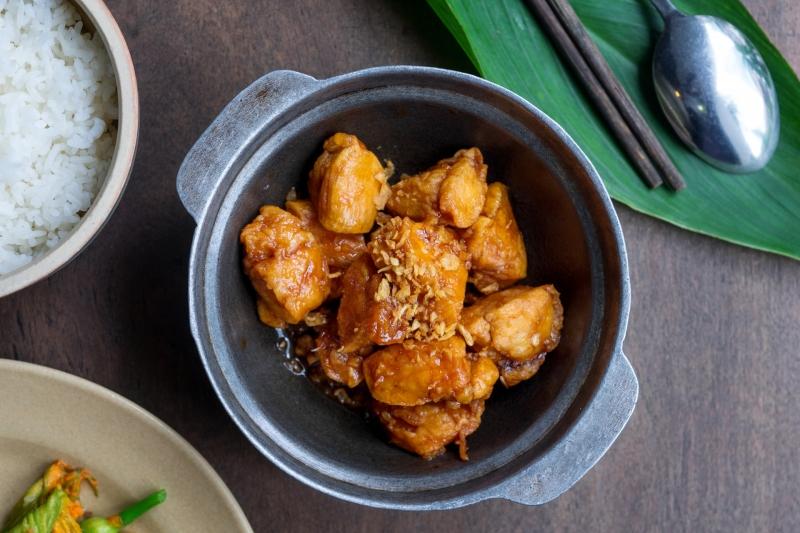 Oi Vietnam-Jan2017_Bui_ Sautéed chicken with local honey sauce_DSC3593_NT