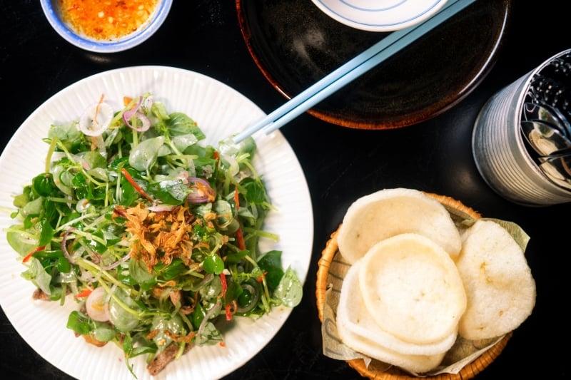 Oi Vietnam-Jan2017_DiMAi_ Crab Claw Herb Salad_DSC7972_NT