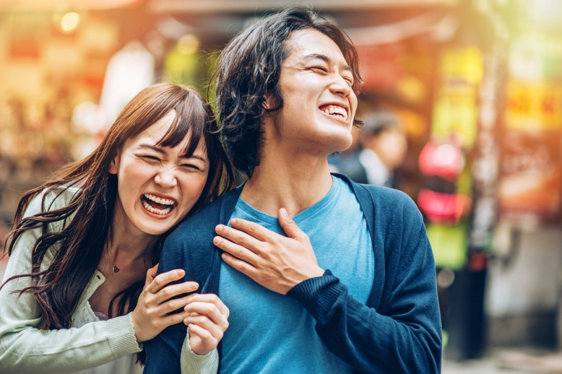 happy-japanese-couple