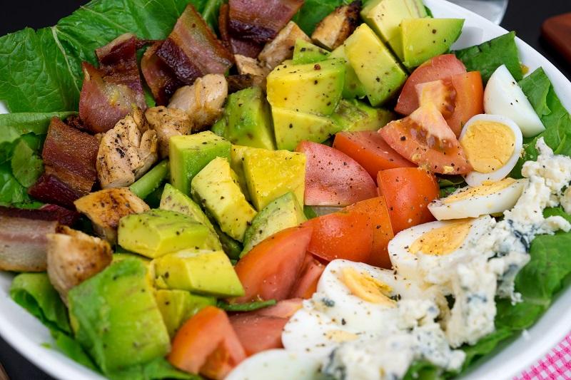 Oi Vietnam -Sep 2017_HungryBunny_American cobb salad_DSC3198NT