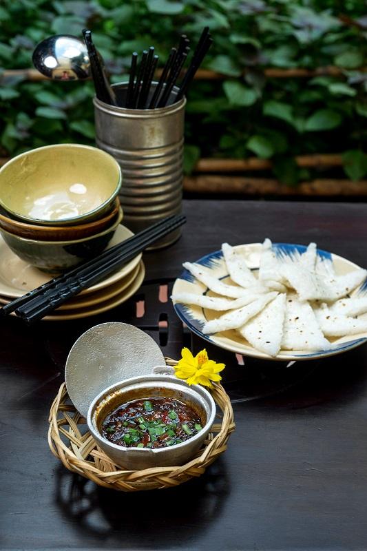 Oi Vietnam -Sep 2017_Secret House_Crispy rice with condensed fish sauce, pork & dried shrimp_DSC2683NT