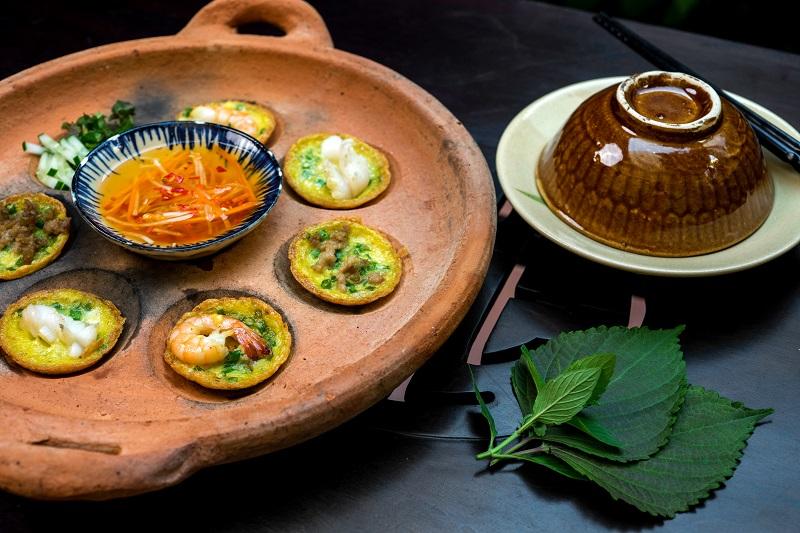 Oi Vietnam -Sep 2017_Secret House_Vietnamese mini savoury pancakes_DSC2672NT