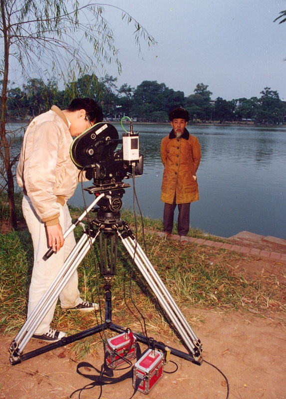 Othello Khanh shooting in Hanoi 35mm circa 1996 (1)