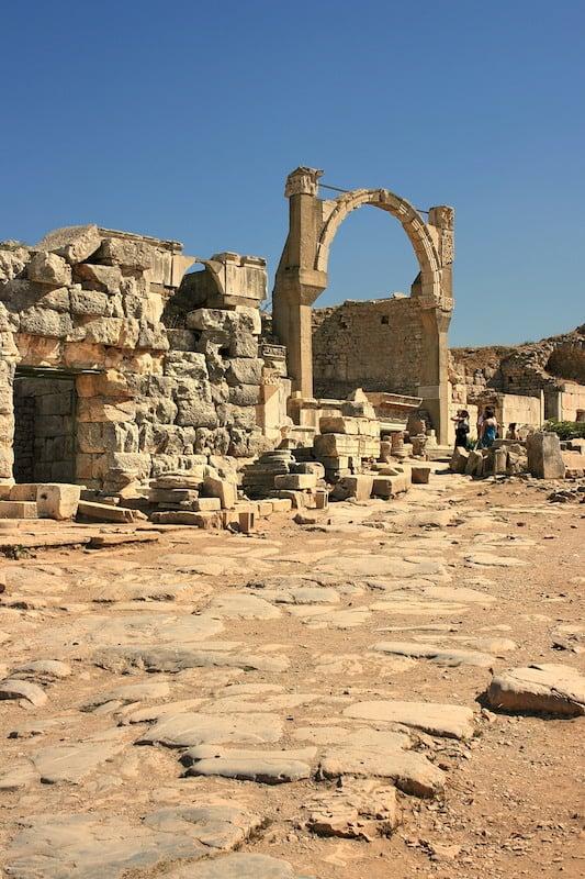 greek-ruin-20-1214578