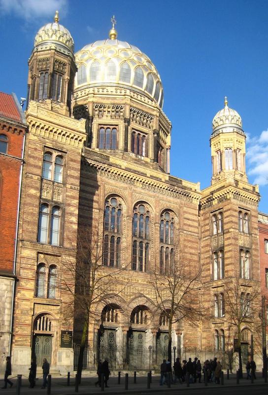Berlin,_Mitte,_Oranienburger_Strasse_30,_Neue_Synagoge