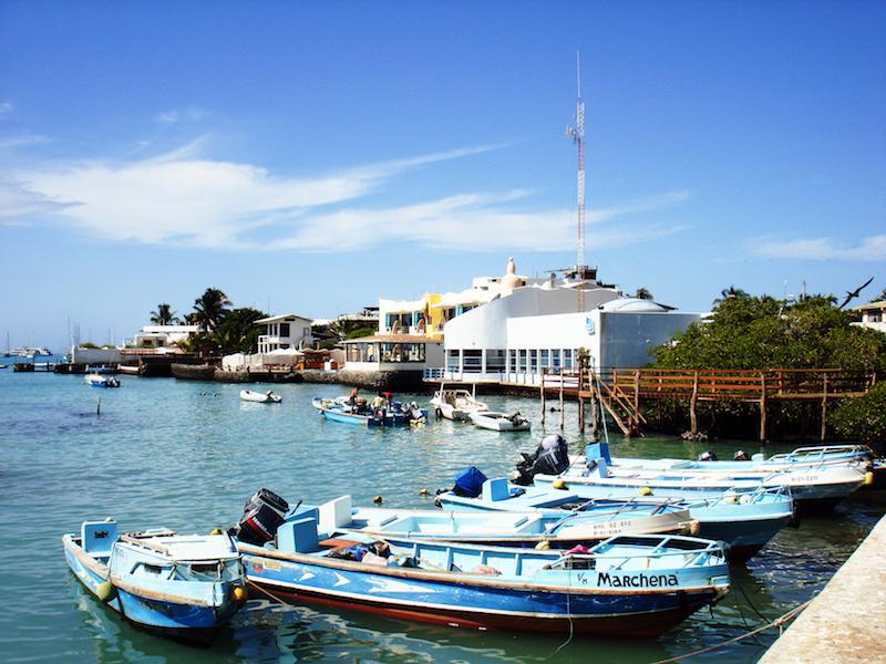 Puerto_Ayora_harbor