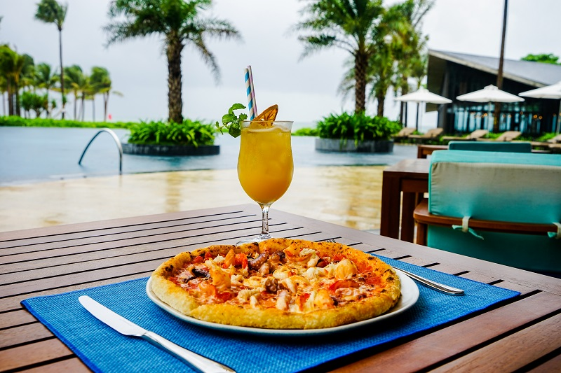 InterContinental Phu Quoc - Ombra - Seafood Pizza - Image by James Pham-4