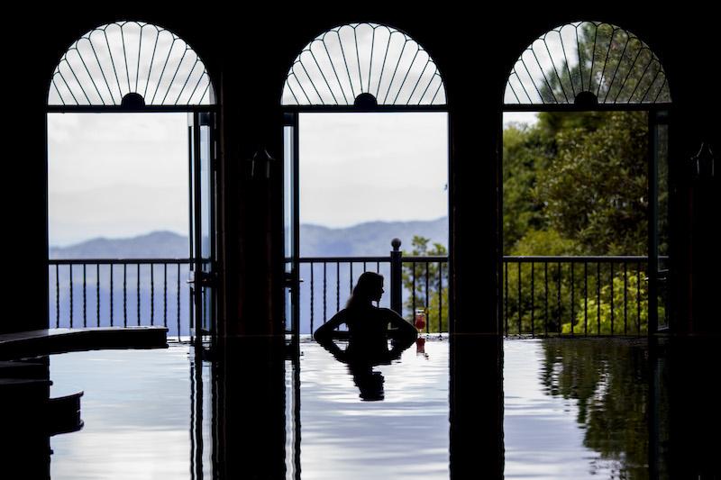 4_Hotel_Pool