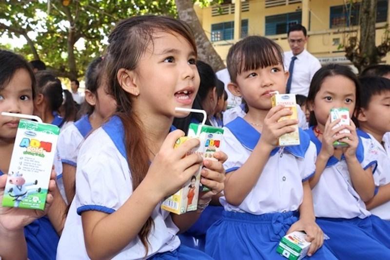 Ha_Nam_school_milk_programme_1