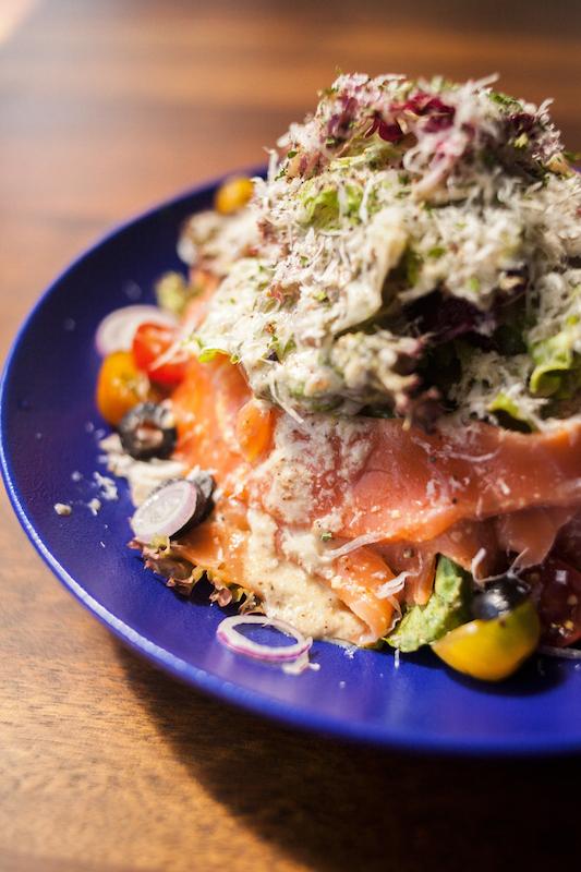 Oi VietNam - Rooftop bbq - Smoked salmon salad - October 2018 - IMG_0225