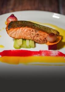 seared salmon with white wine sauce