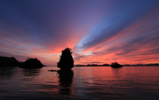 Sunset at Isla Bulungan - Image by Al Linsangan